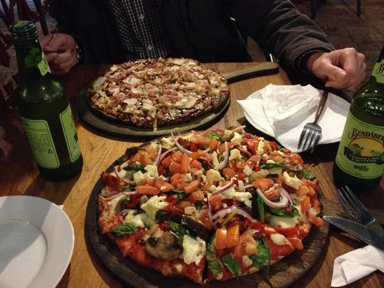 Morpeth Woodfire Pizza & Indian Delicacies: Pizza!