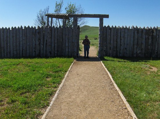 Fort Phil Kearny State Historic Site: Entrance to the Fort