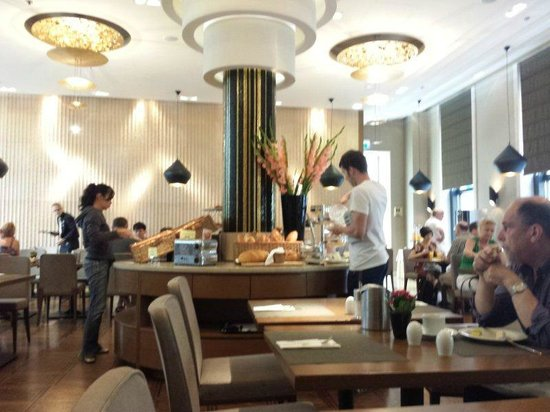 Continental Hotel Budapest: breakfast