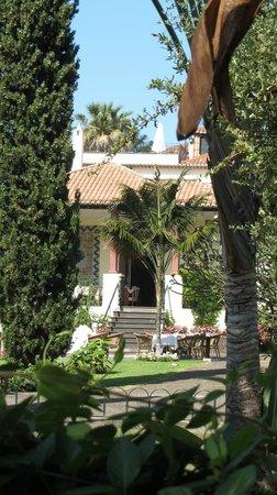 Quinta Jardins do Lago: Ontbijten in de tuin
