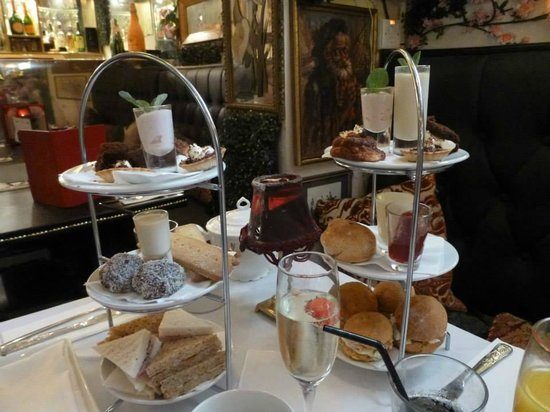 AMPM: Afternoon tea for two.