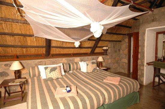 Chishakwe Lodge