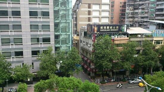 Ambassador Hotel Taipei: 6階の部屋からの眺め