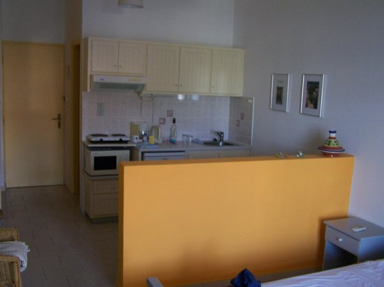 Villa Mertiza : intern studio