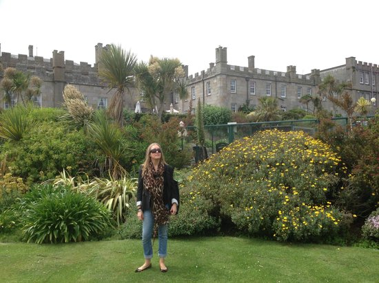 Tregenna Castle Resort: Garden and hotel