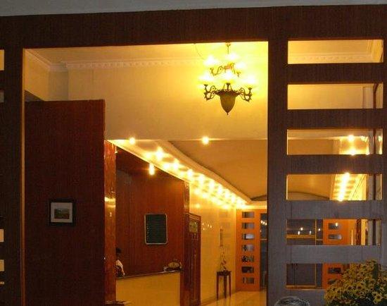 Juliana Hotel: The Lobby of the Hotel