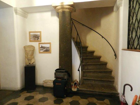 Palazzo Olivia: Bel escalier qui donne accès aux chambres