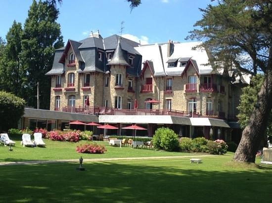 Le Castel Marie-Louise : Add a caption