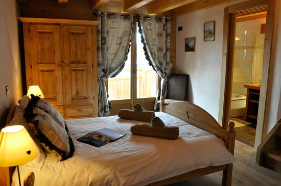 Ski & Summer Morzine - Chalet BonBon: Bed room 3