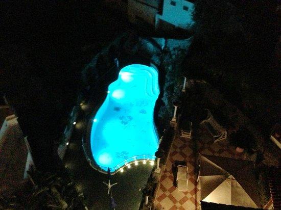 Hotel La Floridiana: Pool at Night