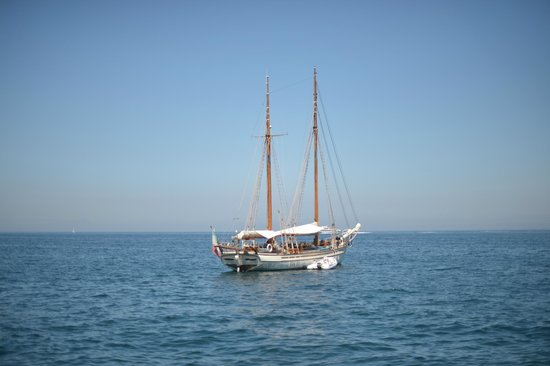 Grand Hotel Cocumella: the hotel's boat