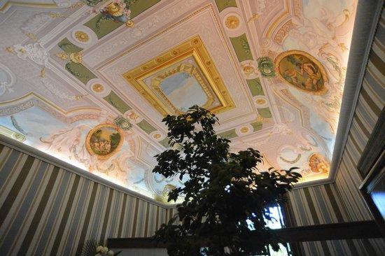 Grand Hotel Cocumella: hotel entrance
