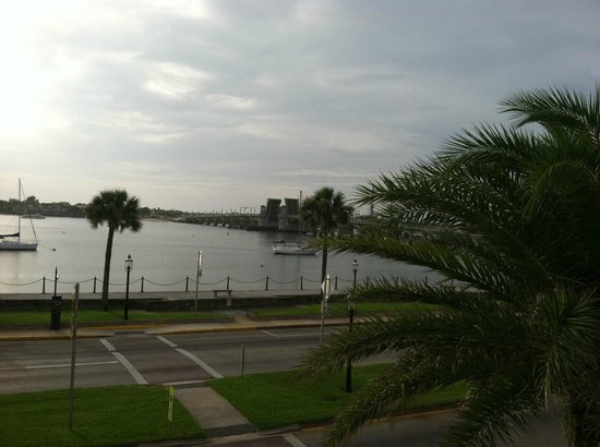 Hilton St. Augustine Historic Bayfront: Our view of the bay