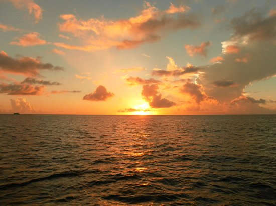 Bateau Mygo Sailing Charters: sunset from Marigot bay