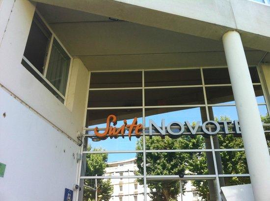 Novotel Suites Montpellier: vue de l'entrée