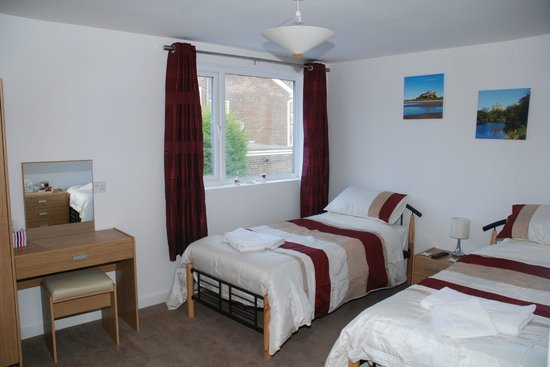 4t4 Bed and Breakfast: Twin room