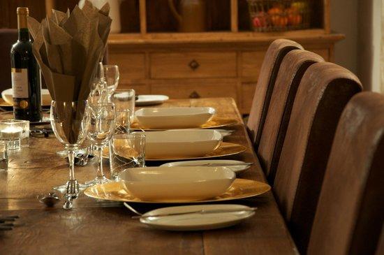 Ski & Summer Morzine - Chalet BonBon: Dining table