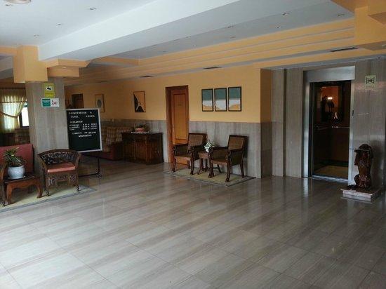Hotel Piedra: Entrada