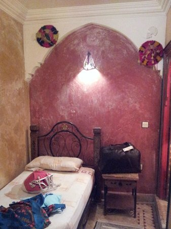 Riad Tarik : Room with local decoration objects