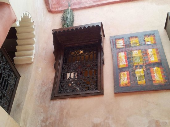 Riad Tarik : Upstairs can be seen from downstairs