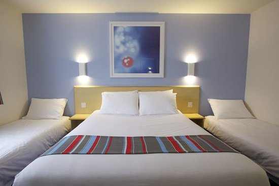 Travelodge London Wimbledon Morden : Family Room