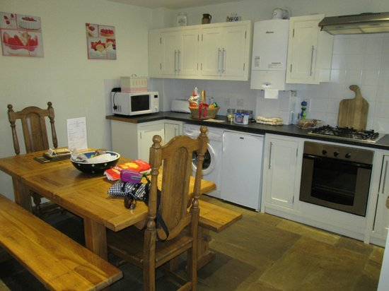 Railway Cottages and Apartments: Great Kitchen-All the conveniences of home