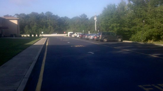 Comfort Inn near Toms River Corporate Park: Parking