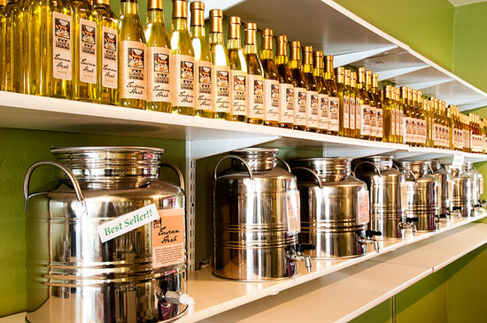 Fat Louie's Olive Oil Co. : Huge selection of Olive Oils