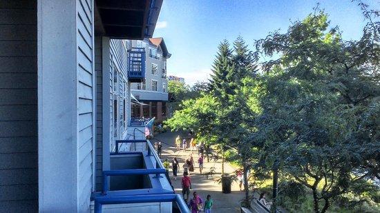 Kimpton RiverPlace Hotel: Outside window