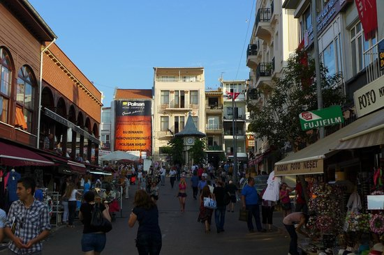 Buyukada Comfort Hotel: Büyükada / Πρίγκηπος - Main Square