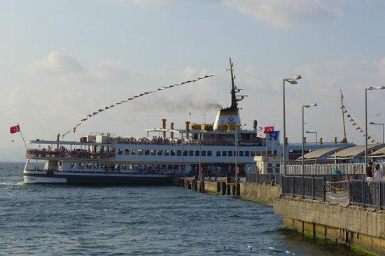 Buyukada Comfort Hotel: Büyükada / Πρίγκηπος - Steamboat on the Wharf