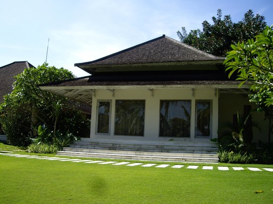 Villa Infinity Bali : Master bedroom outside view