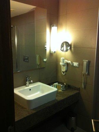 Al Mahary Radisson Blu Hotel, Tripoli: ottimo hotel