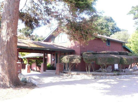 Rosedale Inn: Front office
