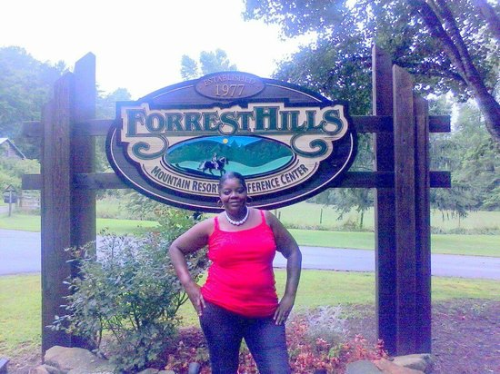 Forrest Hills Mountain Resort and Conference Center: entrance great for taking pictures to send to friends and family
