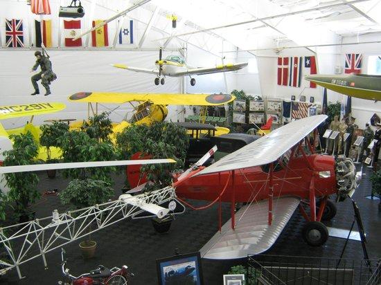 Bird Aviation Museum & Invention Cente: Main museum hangar