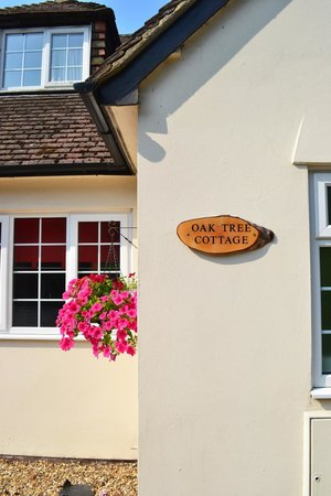 Oak Tree Cottage Bed and Breakfast : Check-in at Oak Tree Cottage