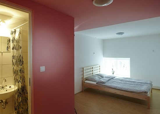 HoBar - the hostel bar : Private room with double bed and private bathroom