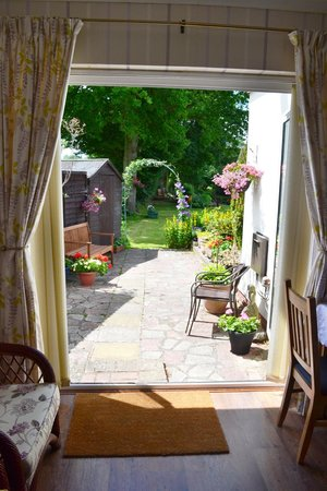 Oak Tree Cottage Bed and Breakfast : View from the Garden Suite