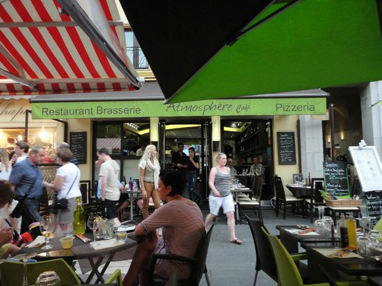 Atmosphere Cafe: The front of the restaurant