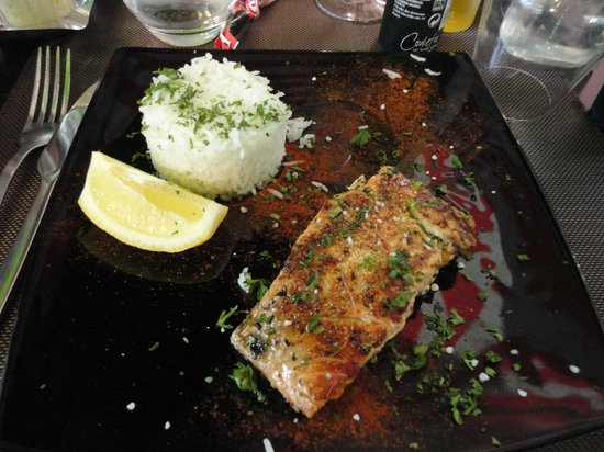 Atmosphere Cafe: My salmon and rice dish