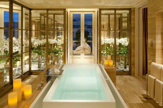 Four seasons hotel george v paris desde 20 588 par s - Hotel georges v paris prix chambre ...