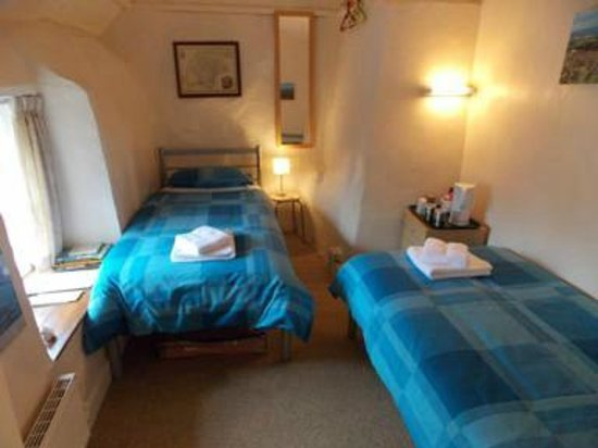 The LongHouse B&B: Our twin room