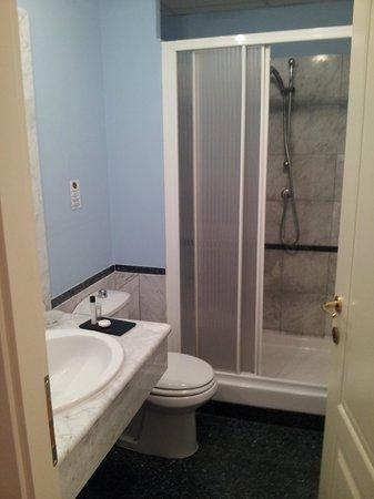 Best Western Congress Hotel : Standard double room's bathroom