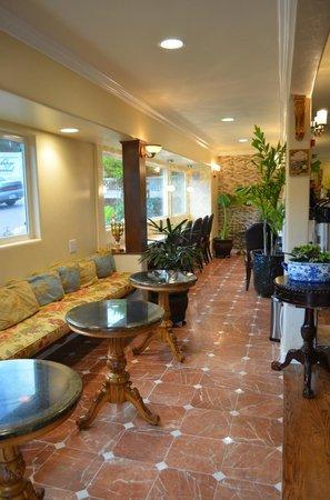 Vendange Carmel Inn & Suites: Lobby
