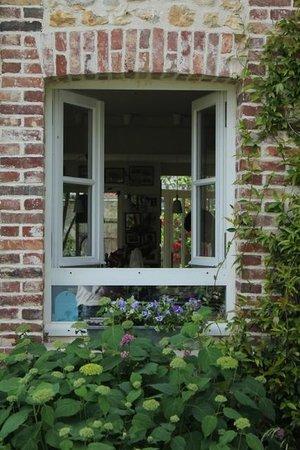 Aux Rives de Honfleur : From the garden