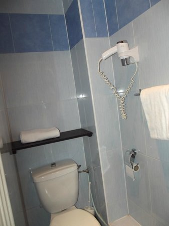 Hotel Baby: Toilettes (partie gauche de la sdb)