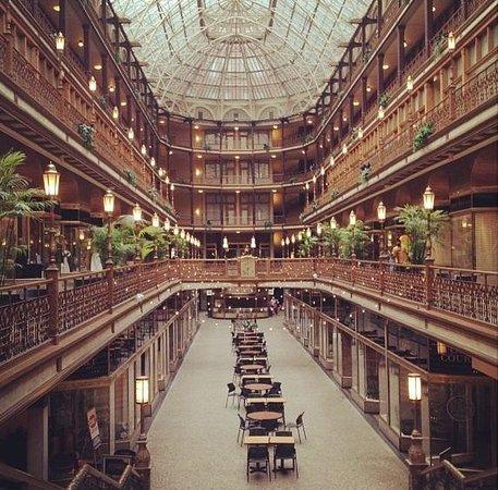 Hyatt Regency Cleveland at The Arcade: The beautiful Arcade