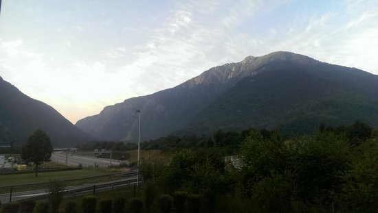 Ibis Budget Saint Jean de Maurienne : Early morning