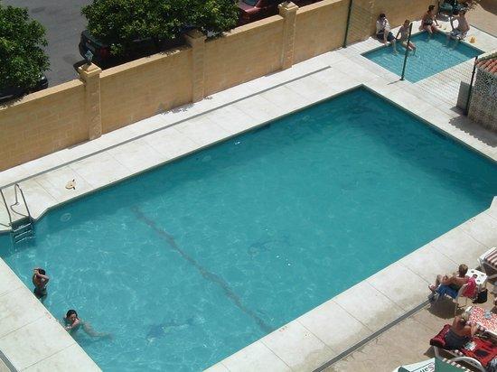 Veramar Apartments Fuengirola: view of pool